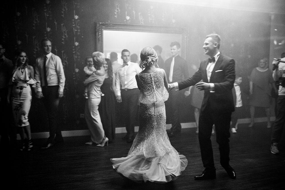 fotografia-ślubna-eleganckie-wesele-fotograf-ślubny-kraków-piękne-wesele-pierwszy-taniec