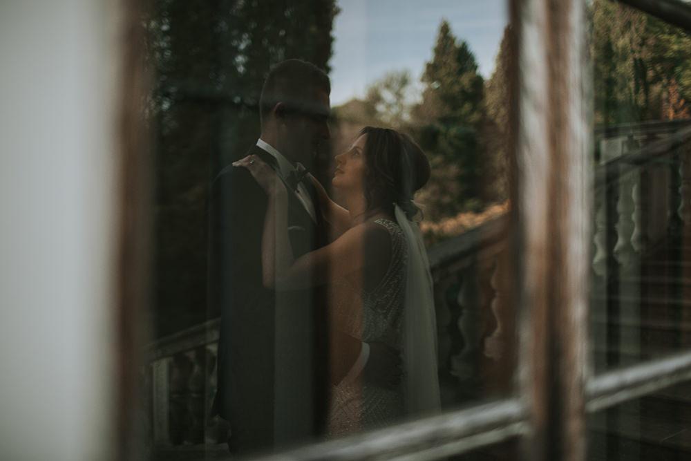 fotograf-ślubny-kraków-sesja-plenerowa-na-zamku-w-krasiczynie-bajkowa-sesja-ślubna-na-zamku-w-krasiczynie