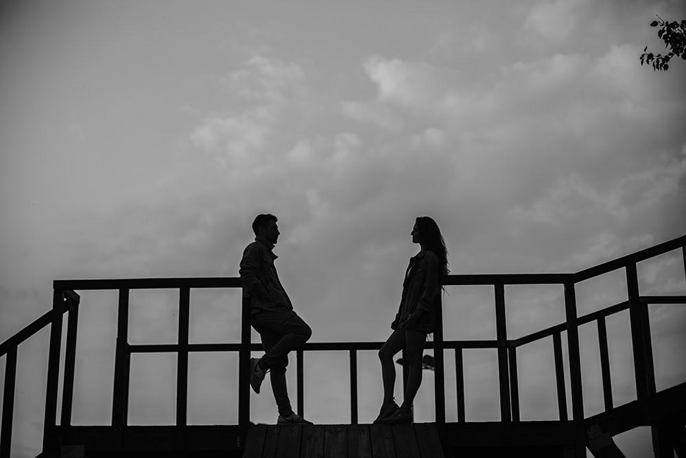 fotograf-ślubny-rzeszów-stylowa-sesja-narzeczeńska-w-rzeszowie-fotografia-ślubna-piękne-emocjonalne-zdjęcia