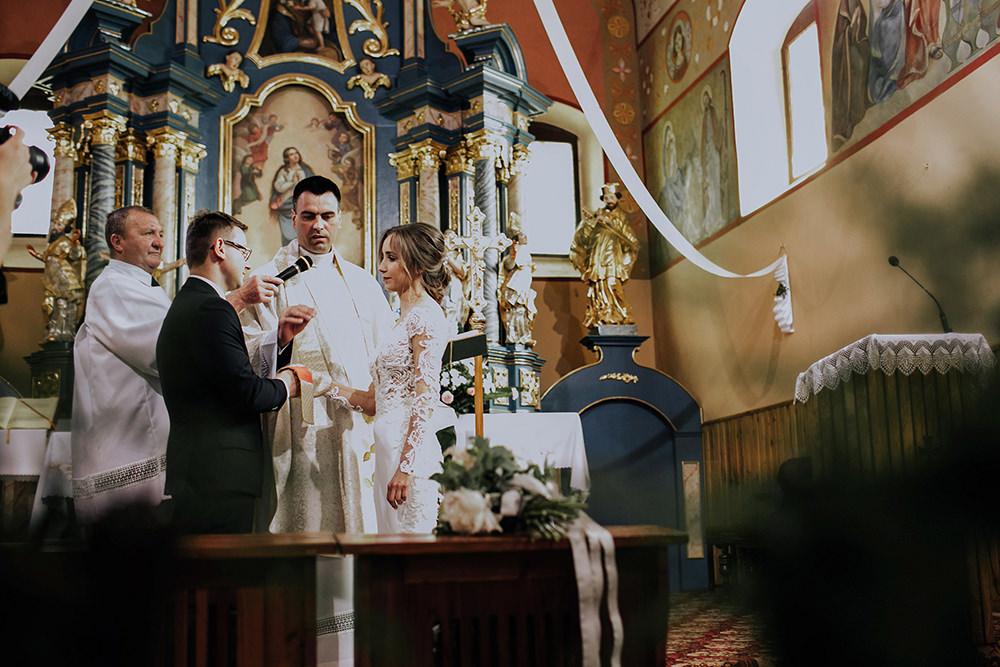 fotograf-slubny-slub-marzen-krakow-fotografia-slubna-malopolskie-eleganckie-wesele