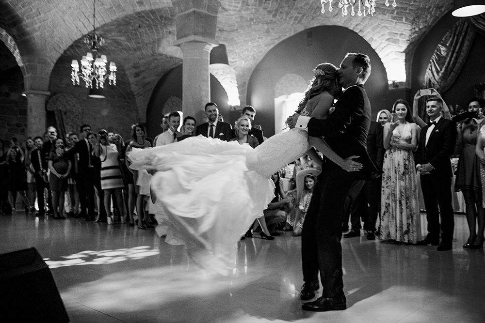 wesele-palac-brunow-eleganckie-wesele-w-palacu-pierwszy-taniec