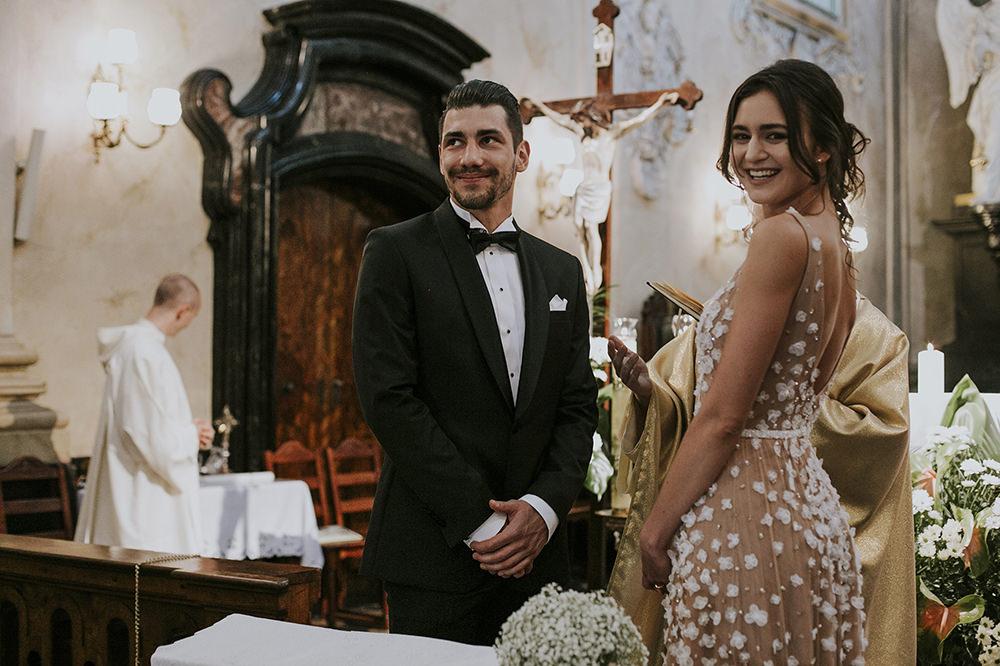 ślub-w-krakowie-piękny-ślub-kraków-ślub-na-skałce-ślub-u-paulinów-ceremonia-ślubna-na-skalce-zdjęcia-ślubne
