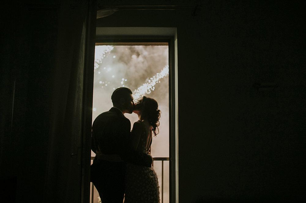 kraków-fajarwerki-na-weselu-pokaz-ogni-wianki-sztuczne-ognie-na-weselu-zdjęcia ślubne-fotograf-ślubny